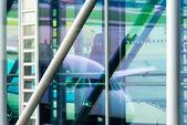Pasajeros en el aeropuerto de embarque — Foto de Stock