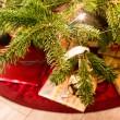 regali sotto l'albero di Natale — Foto Stock