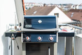 Weber Gas Grill Spirit S320 (model 2014) — Stock Photo