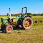 Tractor — Stock Photo #31102155