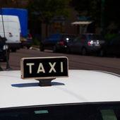 Taxi symbol — Stock Photo