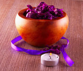 Pot pourri and candle — Stock Photo