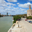Guadalquivir River and Gold Tower in Seville — Stockfoto