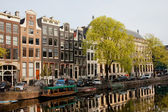 Amsterdam Houses along the Singel Canal — Stock Photo