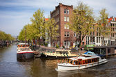 Boats on Amsterdam Canal — Foto de Stock