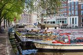 Kanal amsterdam tekne gezisi — Stok fotoğraf