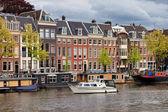 Vista sul fiume di amsterdam — Foto Stock