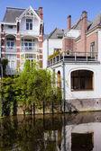 Case sul canale dell'aia — Foto Stock