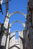 Ruins of Carmo Gothic Church in Lisbon — Stock Photo