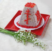 Pasha(paskha,pashka ) quark dessert for easter — Stock Photo