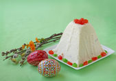 Curd paskha (pacha) , decorative Easter eggs and bunch of willow — Stock Photo