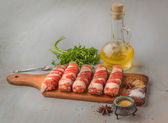 Meat rolls and spices — Stock fotografie