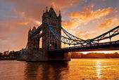 Tower Bridge in London, England — Stok fotoğraf