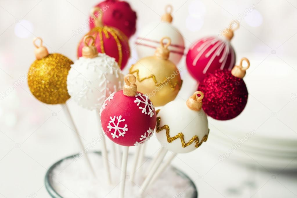 Christmas cake pops in red, white and gold — Stock Photo #12962807