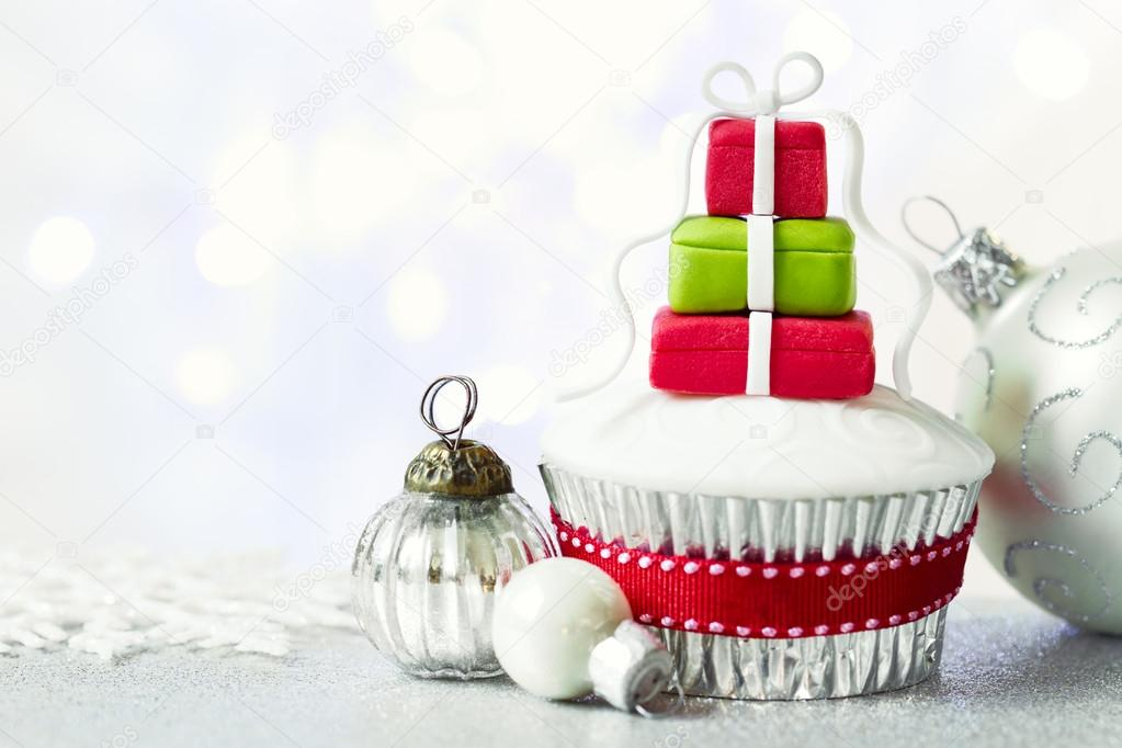 Christmas cupcake with copy space to side — Stock Photo #14639775