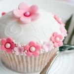 Flower cupcake — Stock Photo