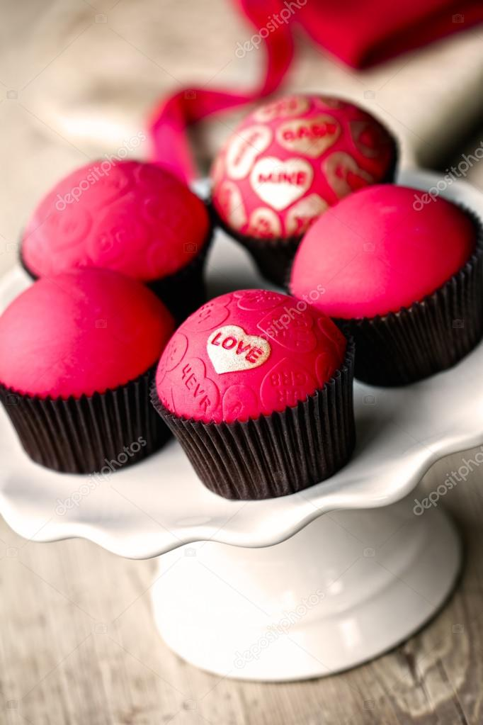 Cupcakes for Valentines Day  Stock Photo #19344907