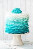Ombre fırfır kek — Stok fotoğraf