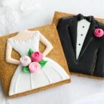 Bride and groom cookies — Stock Photo #27395067