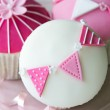 Pink and white cupcakes — Stock Photo #40425701