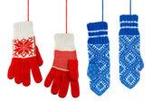 蓝色和红色针织的手套 — 图库照片