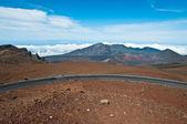 Road climbing above Haleakala crater in Maui — Stock Photo
