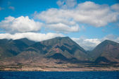 Clouds over Maui mountains — Stock Photo