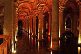 Underground basilica cistern. Byzantine water reservoir build by Emperor Ju — Stock Photo