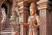 Details of Sanctuary of Truth temple (also called Wang Boran and Prasat Mai). Pattaya, Thailand — Foto de Stock