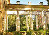 Colonnade of the old abandoned estate near Moscow — Stock Photo
