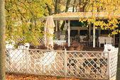 Letní kavárna na podzim — Stock fotografie