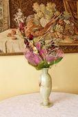 Çiçekli vazo — Stok fotoğraf