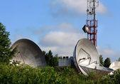 抛物面天线卫星通信 — 图库照片