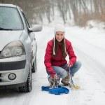 correntes de neve aplicando mulher — Foto Stock