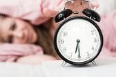 Concepto de despertador, reloj despertador — Foto de Stock