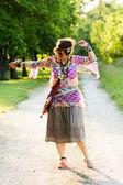 Persone Festival - danza ragazza — Foto Stock