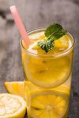 Lemoniadę z cytryny i miętą — Zdjęcie stockowe