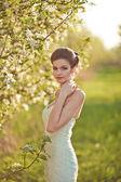 портрет красивая брюнетка невеста — Стоковое фото