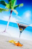 Tropical drinks on beach — Stock Photo