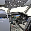 Cockpit view - Boeing 787 Dreamliner — Stock Photo #29922191