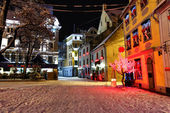 Christmas night in Old Riga in Latvia — Stock Photo