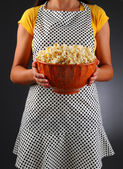 Homemaker Holding a Bowl of Popcorn — Stock Photo