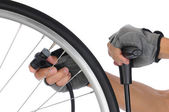 велосипедист накачки шин — Стоковое фото