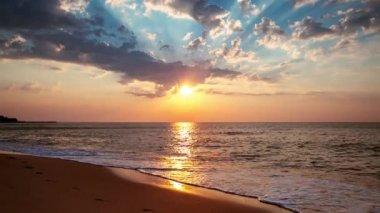 Beautiful cloudscape over the sea — Stock Video