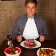 Eat a beef steak — Stock Photo