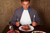 Eat a beef steak — Stock Photo