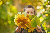 Höstens baby pojke — Stockfoto