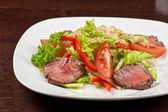 Ensalada de carne de res — Foto de Stock