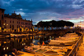 Desenzano Del Garda marina in the early morning. — Stock Photo