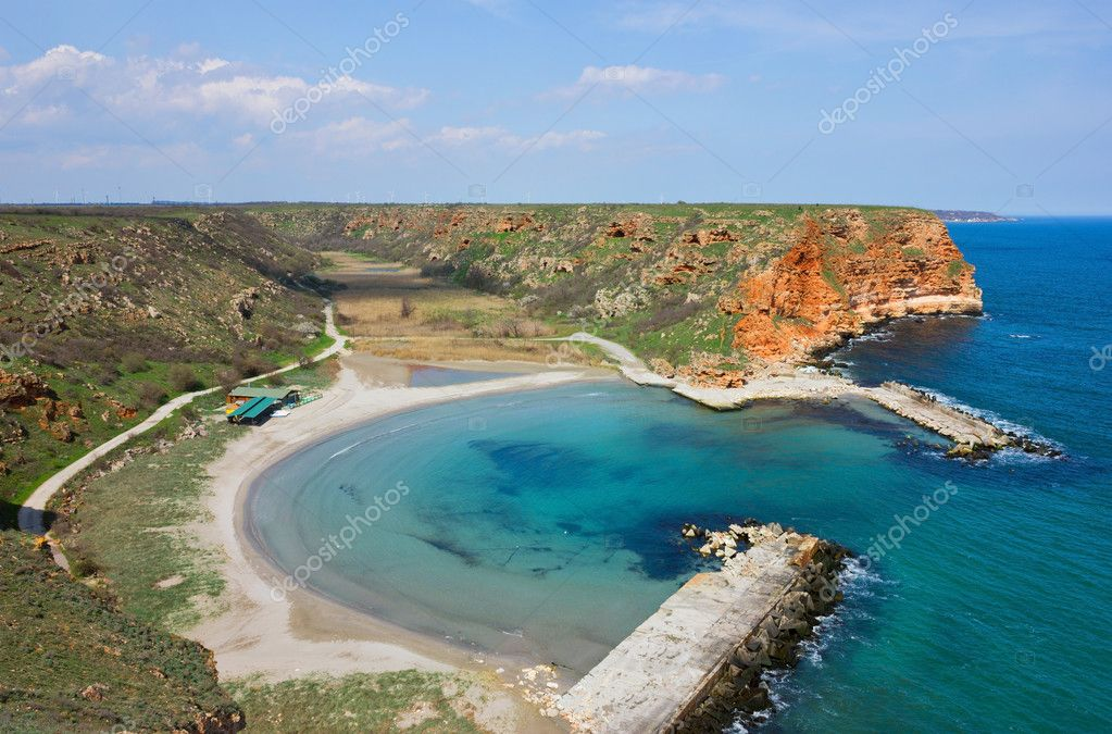 Piccola spiaggia tranquilla sulla costa bulgara del mar for Chiave bulgara prezzo